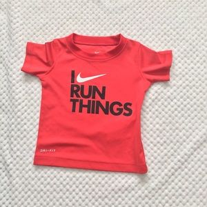 THE NIKE TEE in RED DRIFIT size 12 months